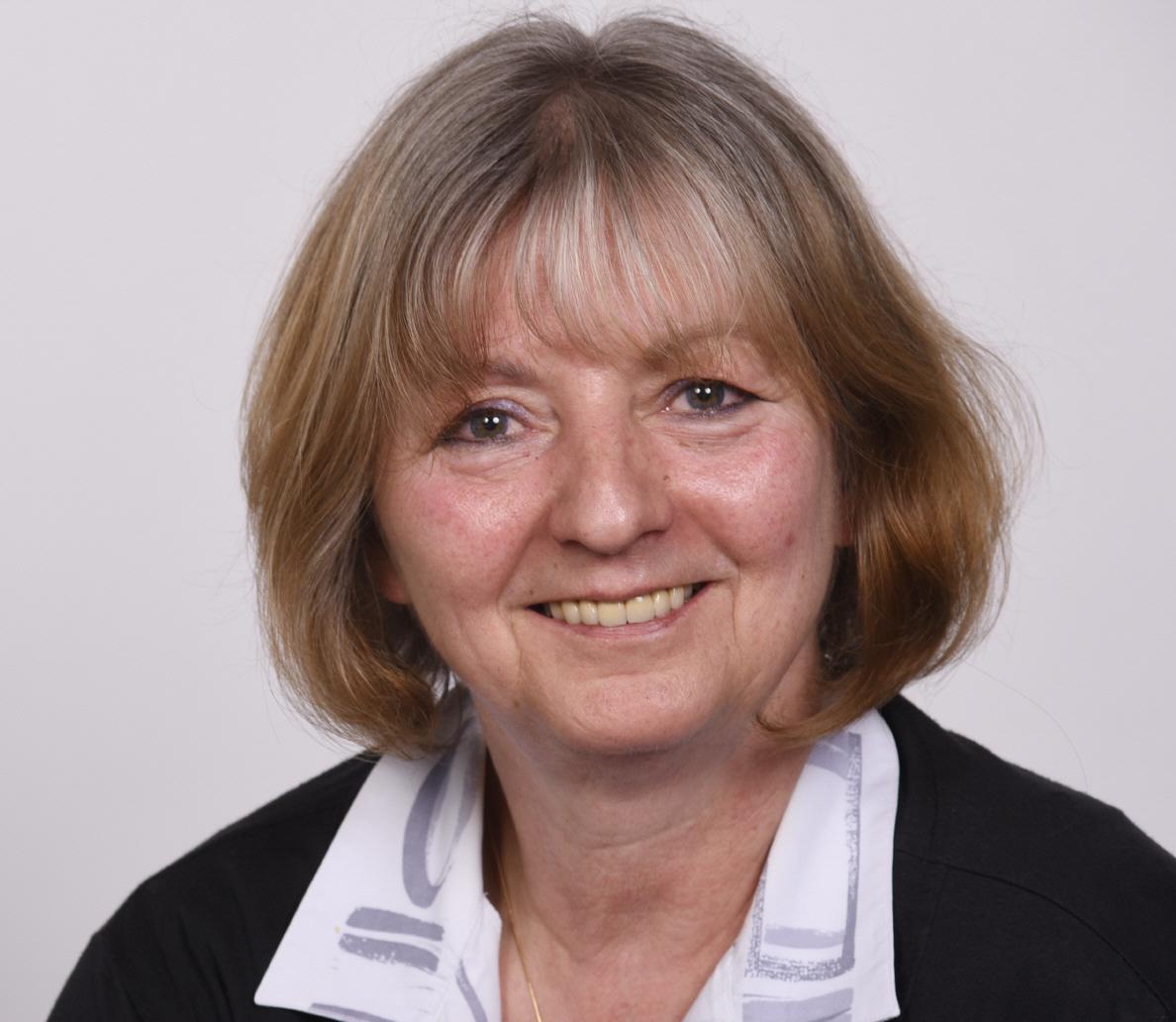Frau Carola Schober
